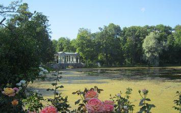 Park in jezero ob Katarininem dvorcu v carskem selu