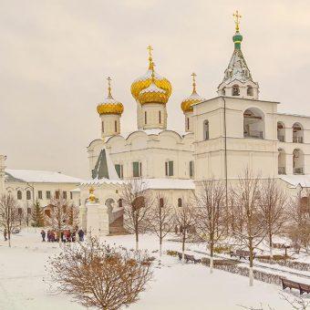 Samostan Ipatijev v Kostromu iz katerega izvira rodbina Romanov