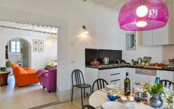 Kuhinja v apartmaju je del vile v Toskani