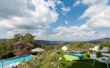 Užitki tudi ob bazenu vile v Toskani