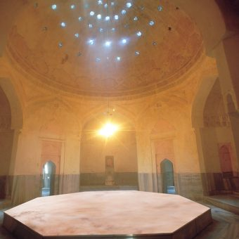 Turški hamam in detalj iz njegove notranjosti