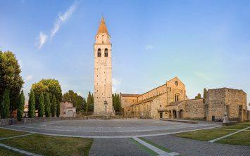 Basilica Santa Maria v Aquilei zgrajena v 11.stoletju