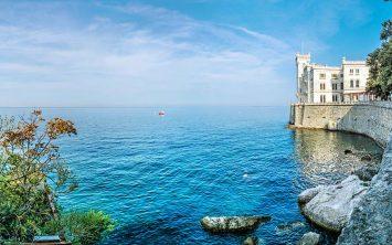 Grad Miramare v Italiji