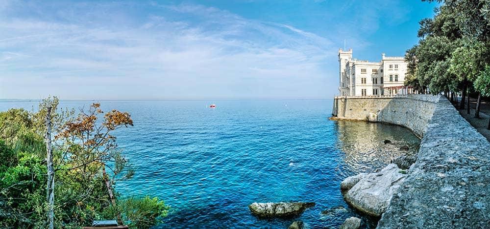 Italija-Miramare-castle-near-Trieste,-northeastern-Italy.-Travel-destination
