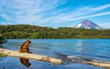 Meditacija ob Kurilskem jezeru v Kamčatki