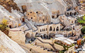Starodavne votline v Kapadokiji kjer lahko tudi prespite