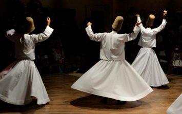 Plesoči derviši v Kapadokiji