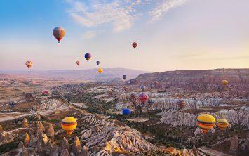Vsako jutro se nad prebujajočo Kapadokijo dvignejo baloni